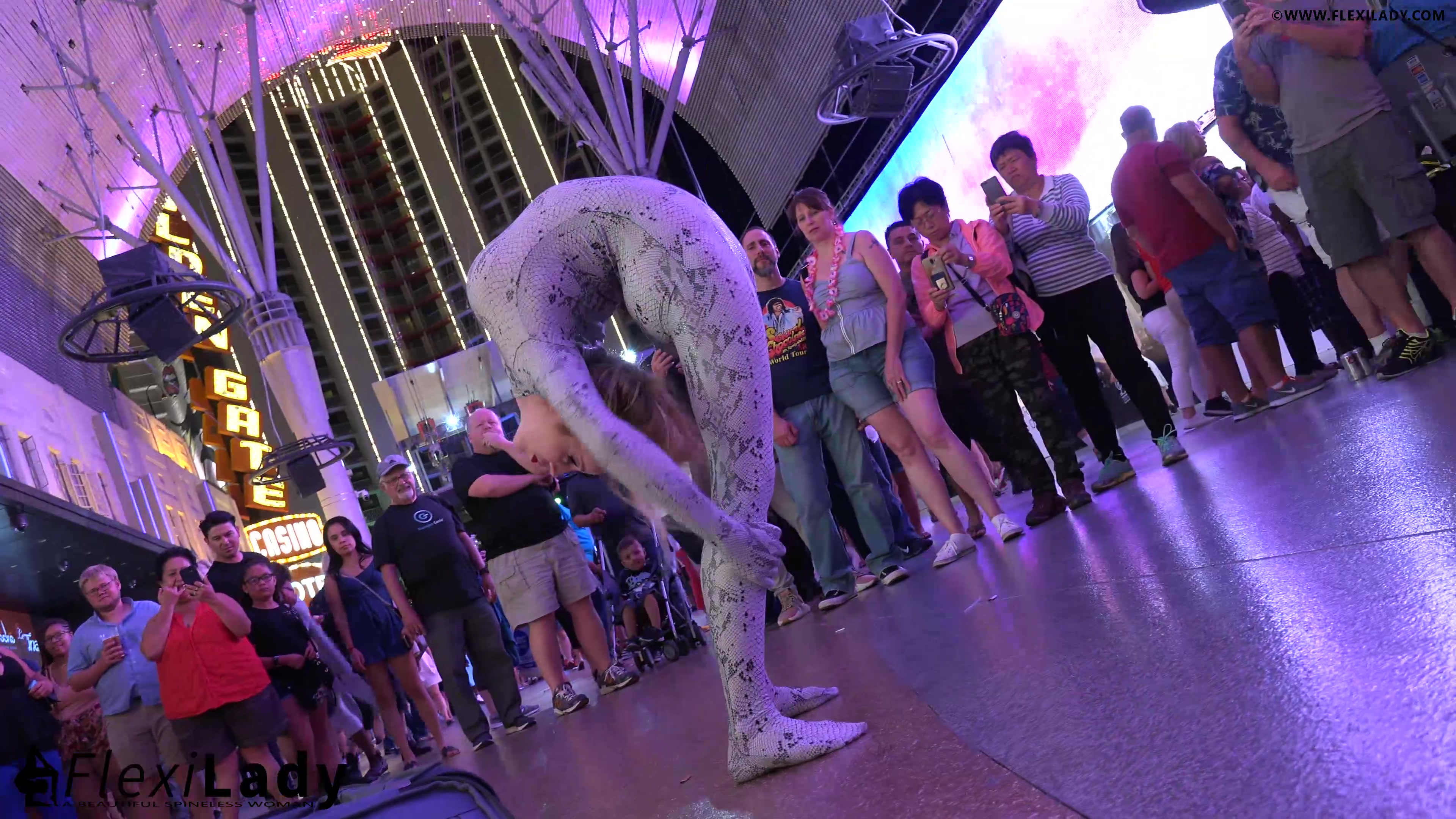 A flexible snake in Freemont Street